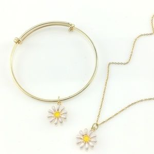 Jewelry - Gold Sun Flower Necklace Set